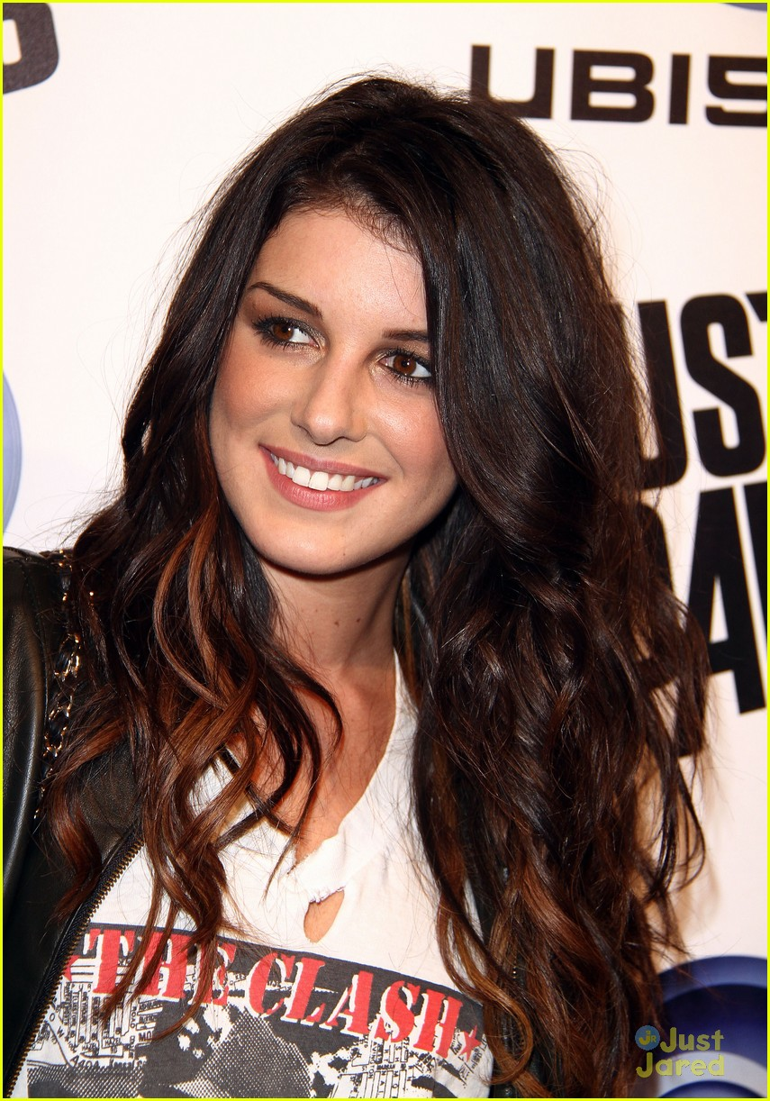 shenae grimes just dance 12
