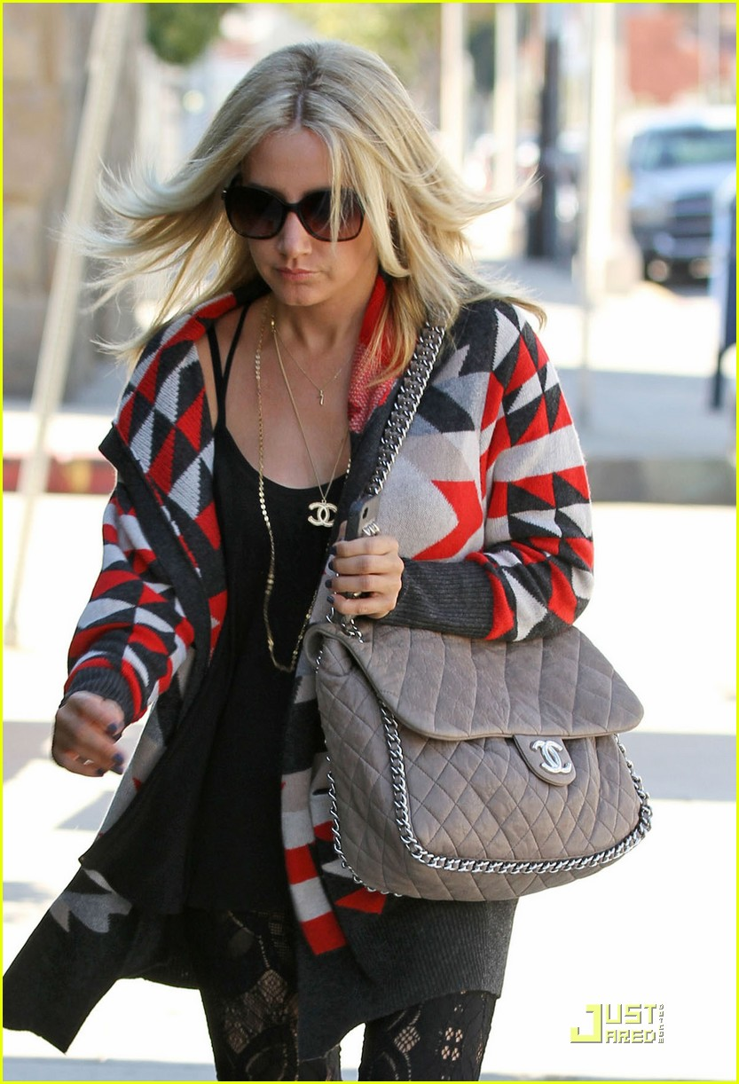 ashley tisdale colorful coat 01