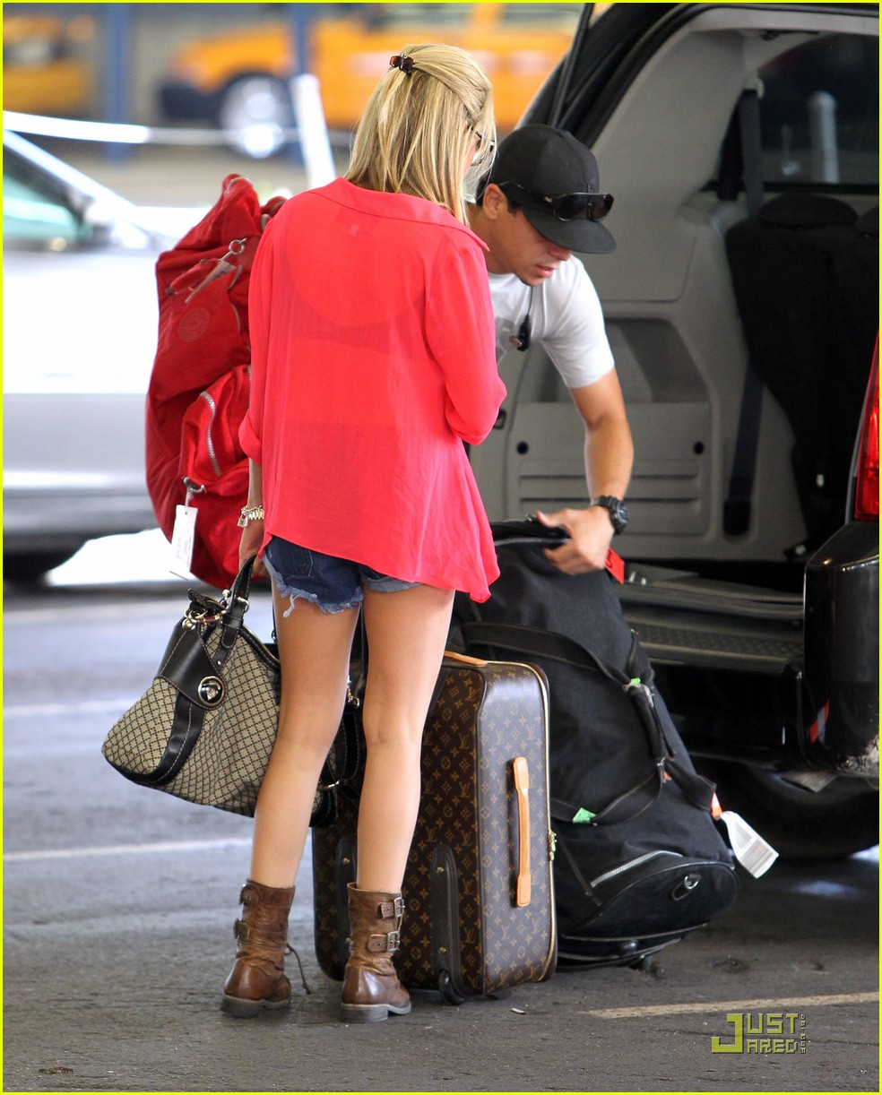 ashley tisdale miami landing 12