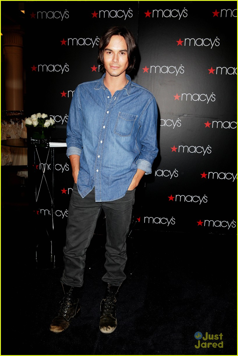 tyler blackburn macys wendy 01