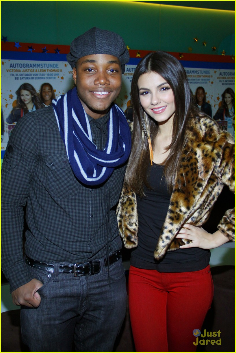 victoria justice leon thomas germany 18