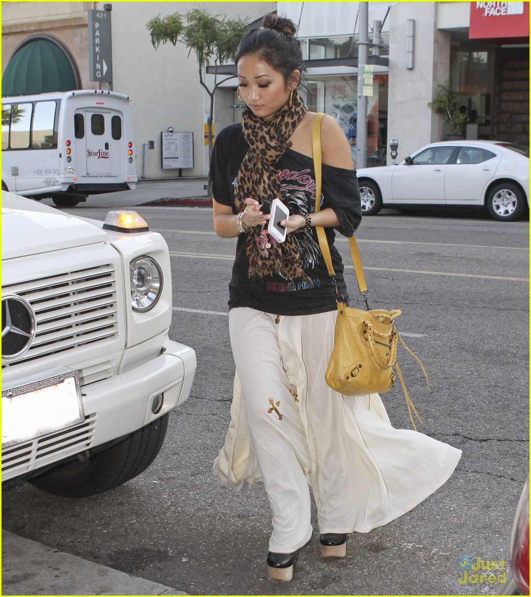 brenda song pink boots 03