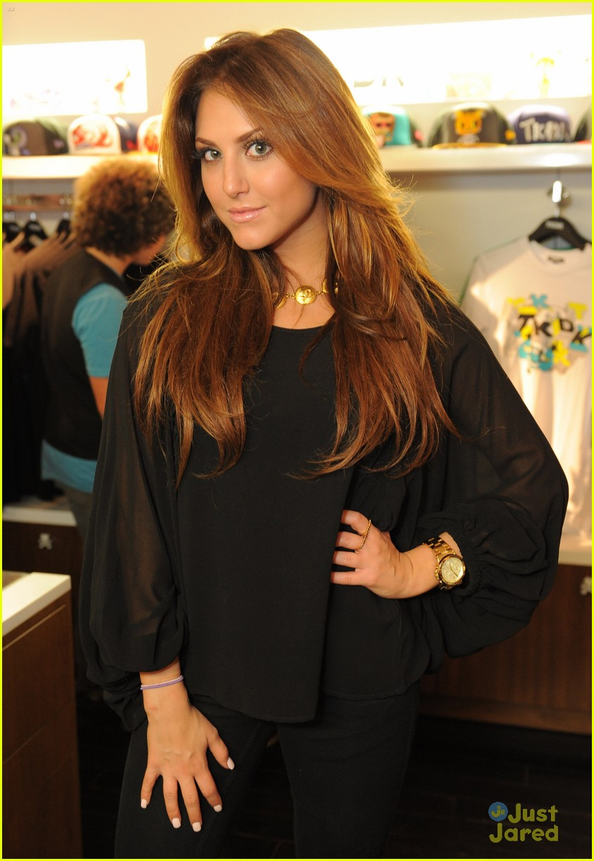 cassie scerbo back blonde 18