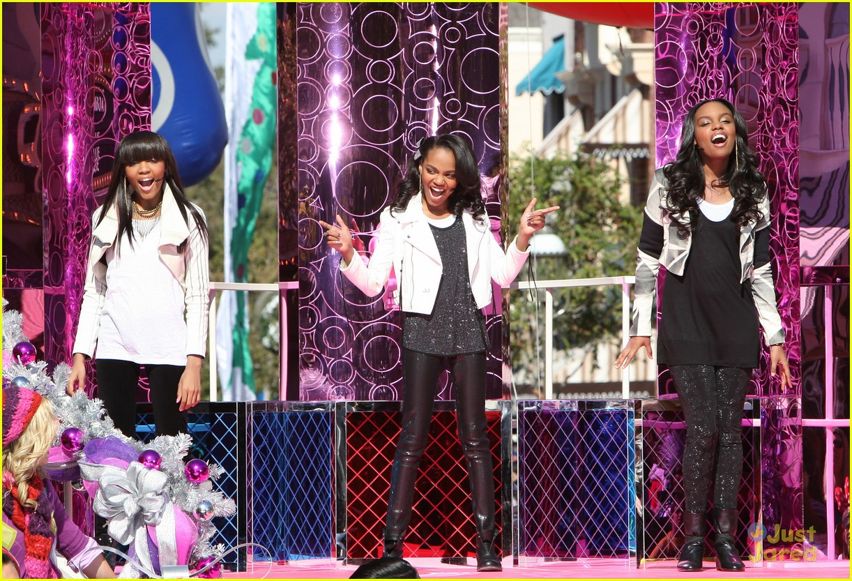 china mcclain jingle bell rock 03