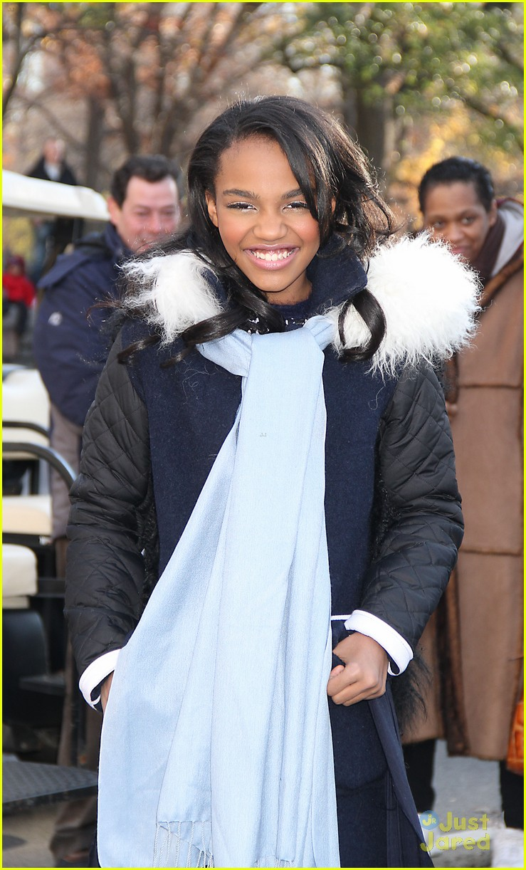 china mcclain macys thanksgiving parade 09