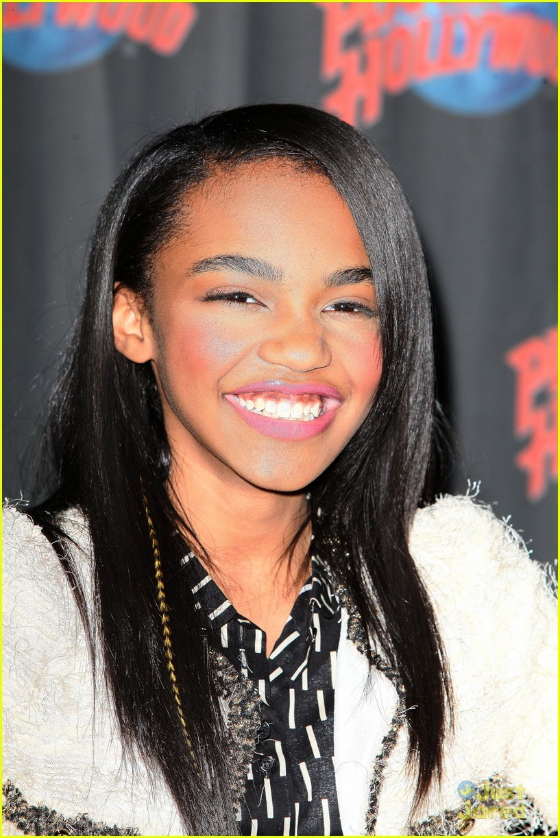 china anne mcclain planet hollywood  01
