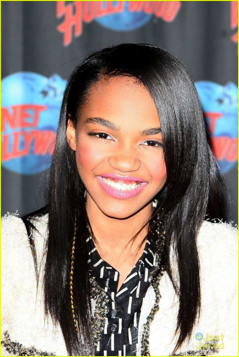 china anne mcclain planet hollywood  08