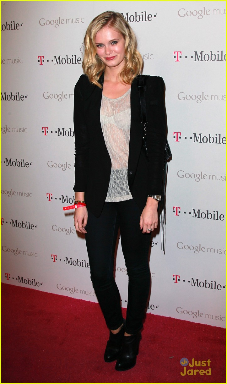 sara paxton google music launch 06