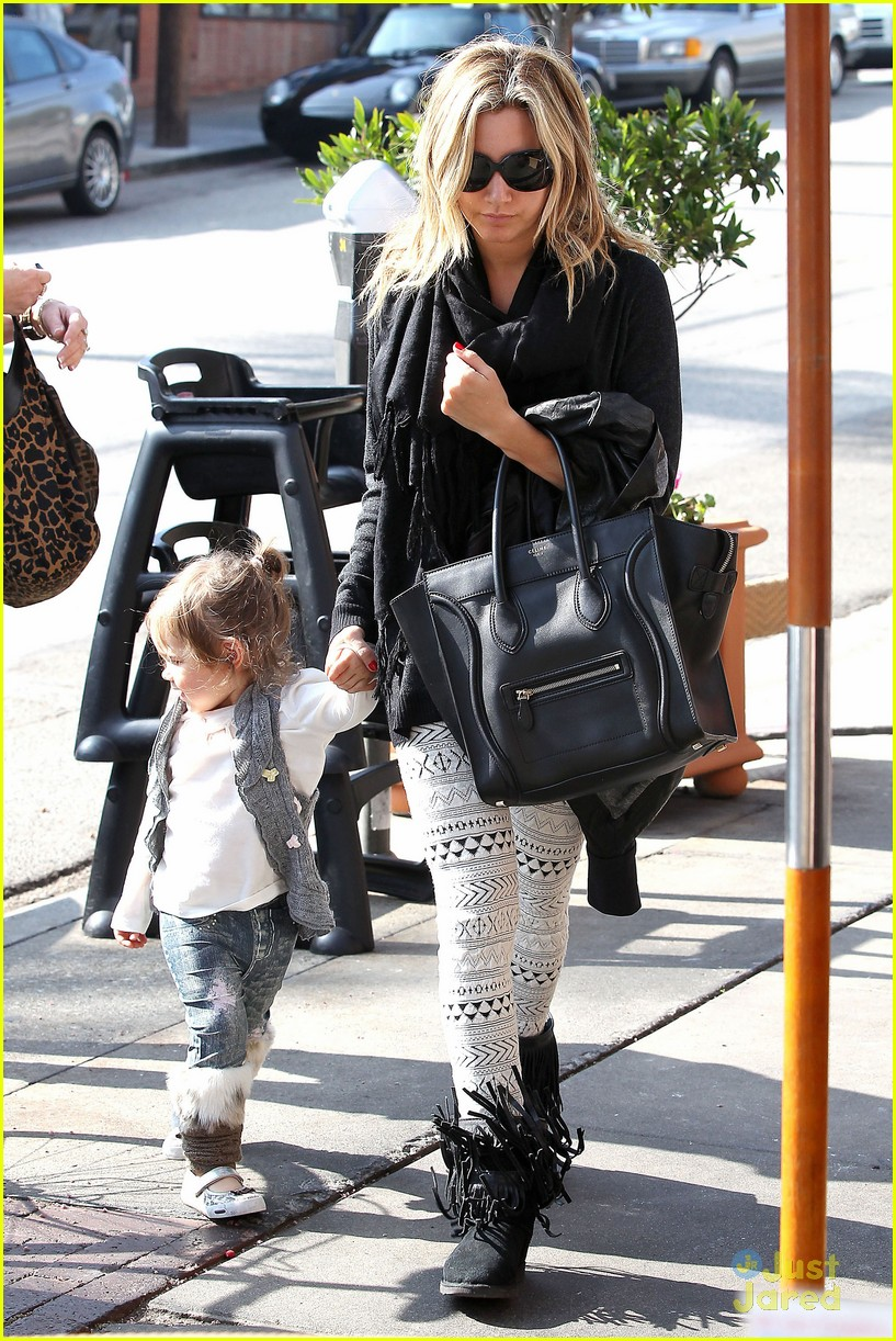 ashley tisdale mikayla lunch 03