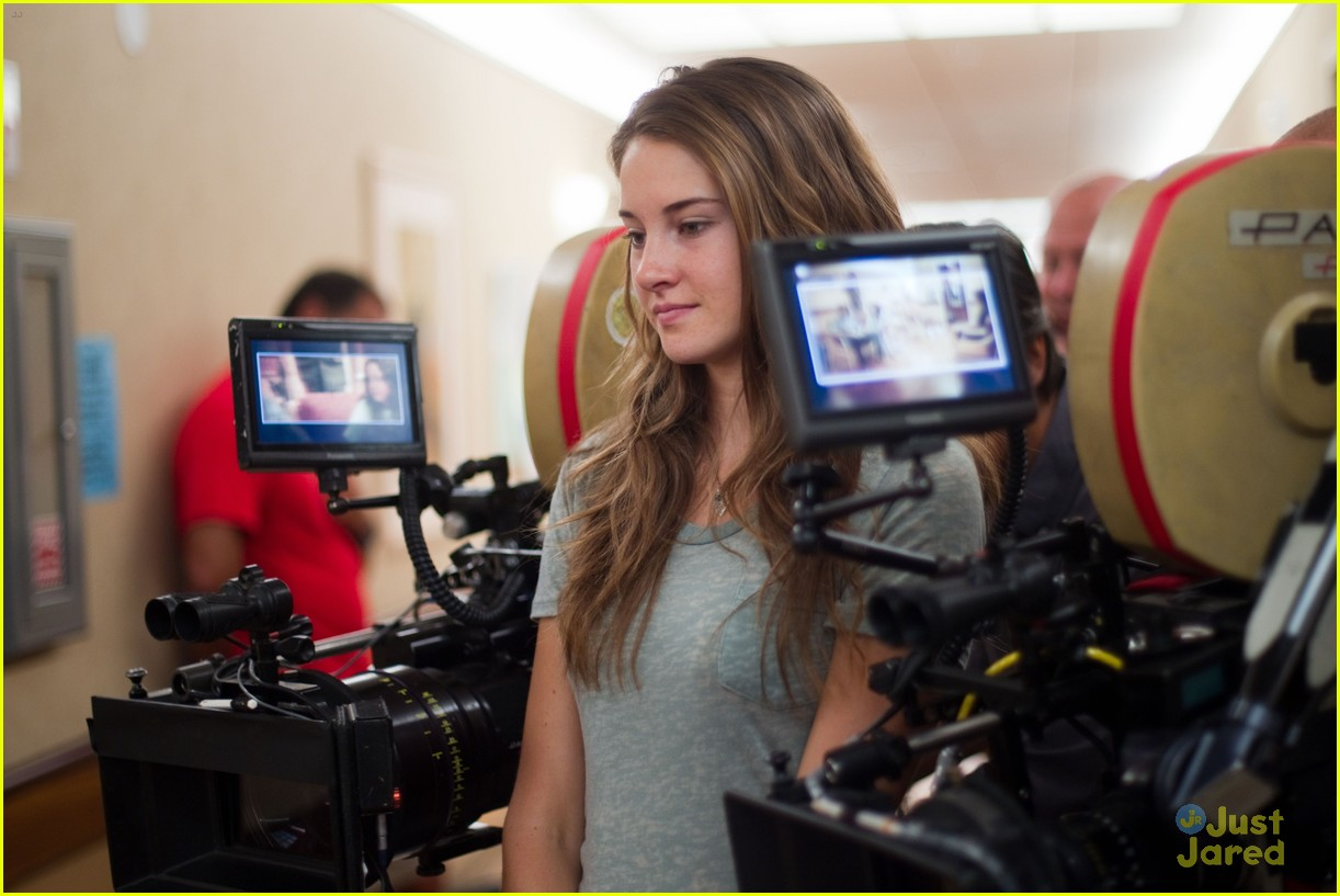 shailene woodley descendents stills 03