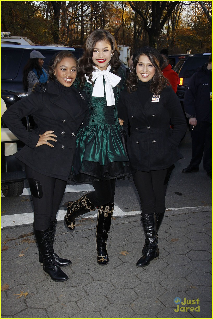 zendaya macys thanksgiving parade 10