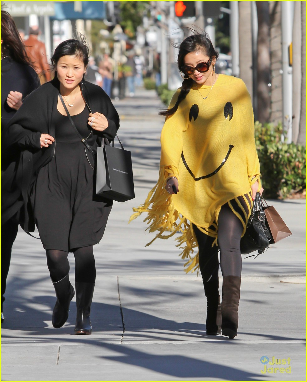 brenda song smiley face poncho 07