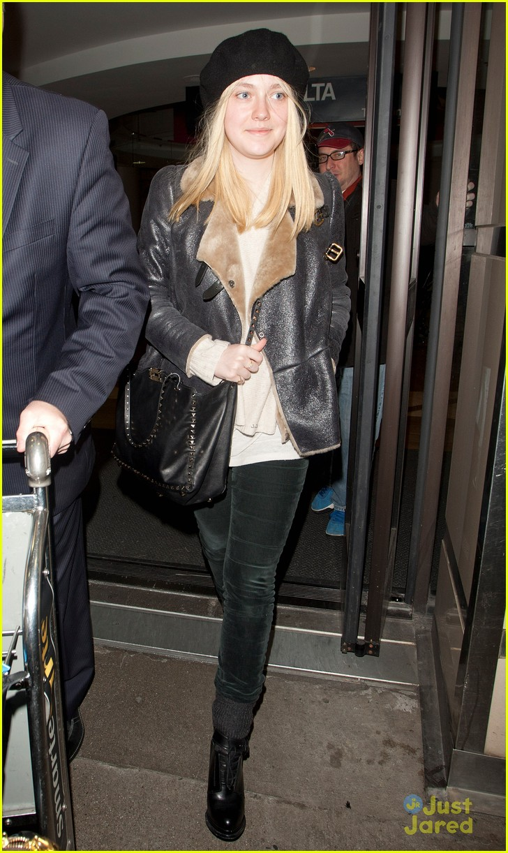 dakota fanning la nyc bound 05