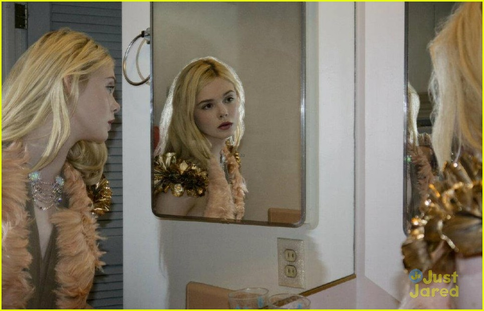 elle fanning mag curated rodarte 06