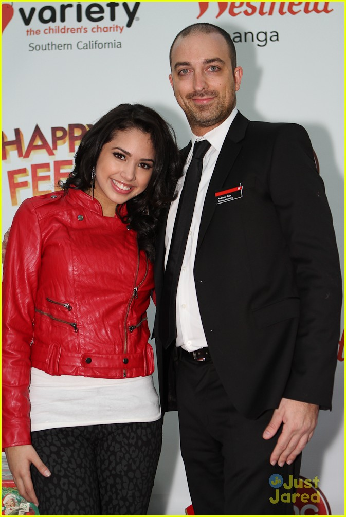 jasmine v santa walk 03