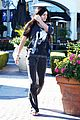 Jenner-christmas kendall kylie jenner christmas shopping 15