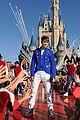 Justin-parade justin bieber disney parks 11