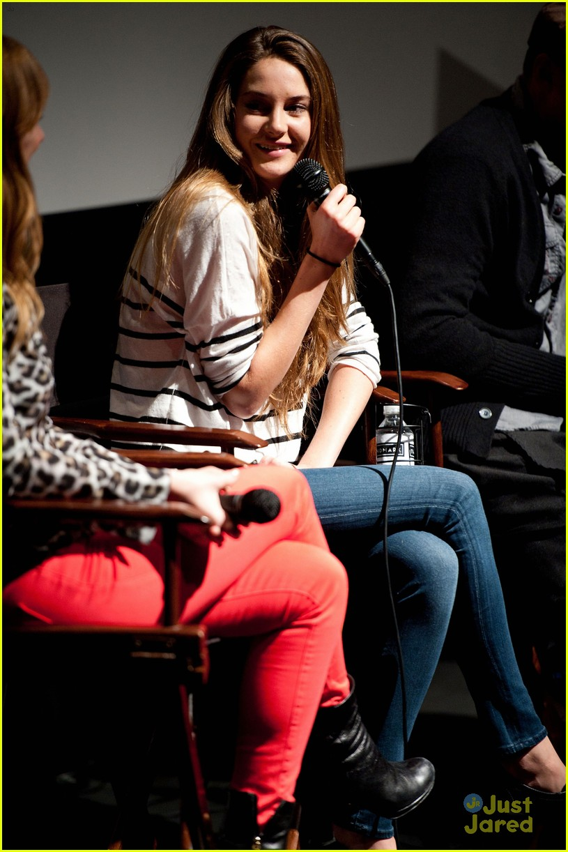 shailene woodley globe nomination 06
