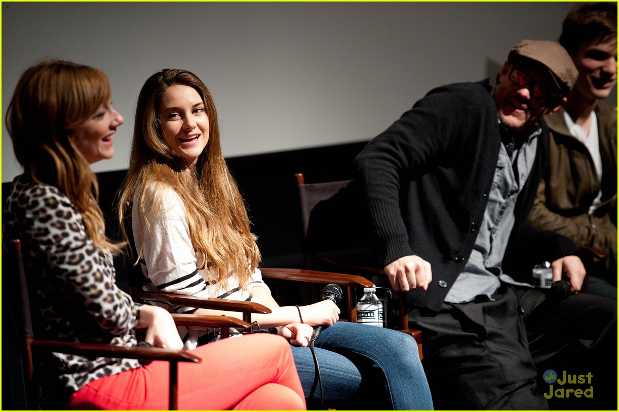 shailene woodley globe nomination 18