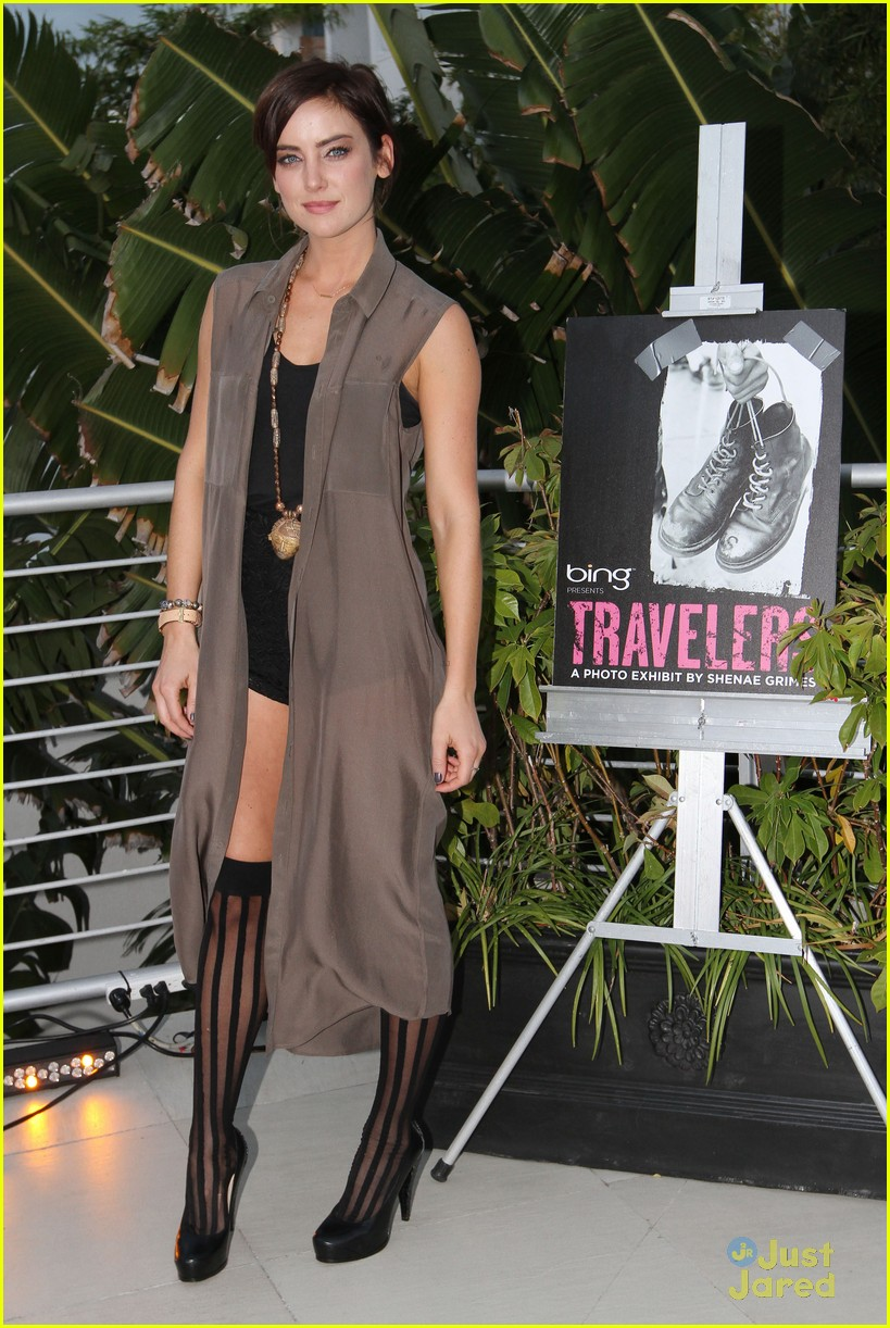 shenae grimes travelers exhibit 08