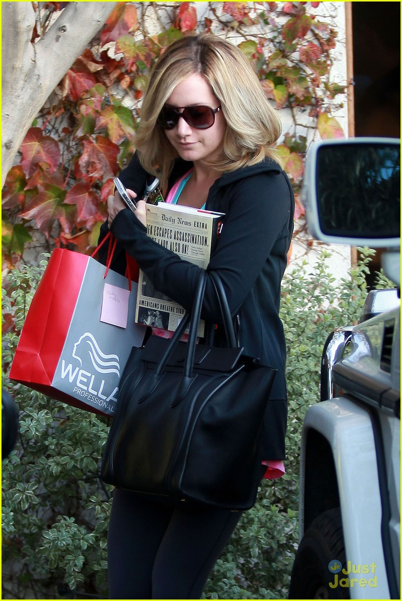 ashley tisdale salon stop 07