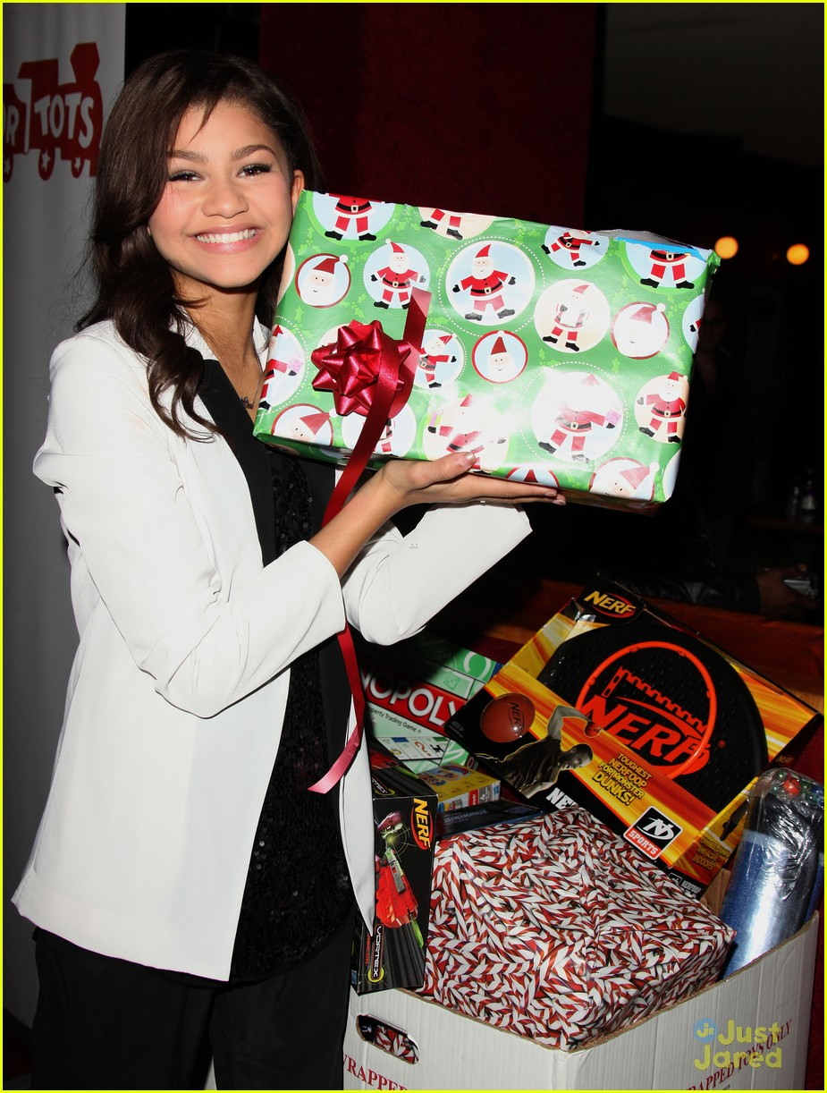 zendaya jessica madison pastry party 01