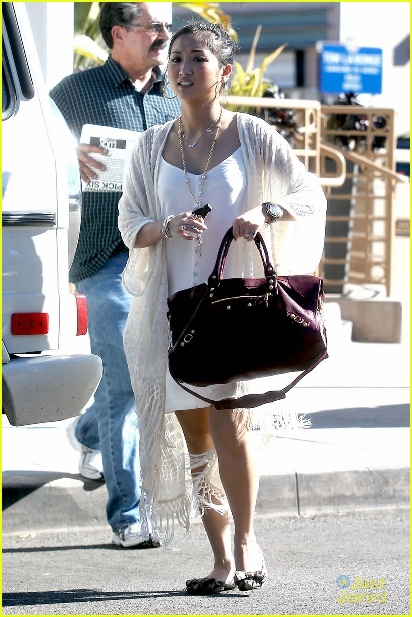 brenda song burgundy bag 03