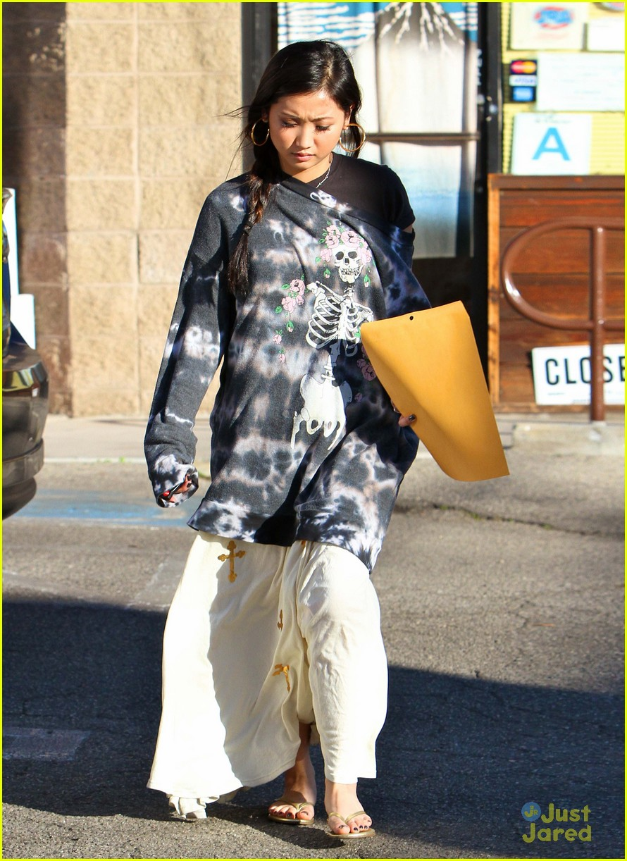 brenda song skull sweater 11