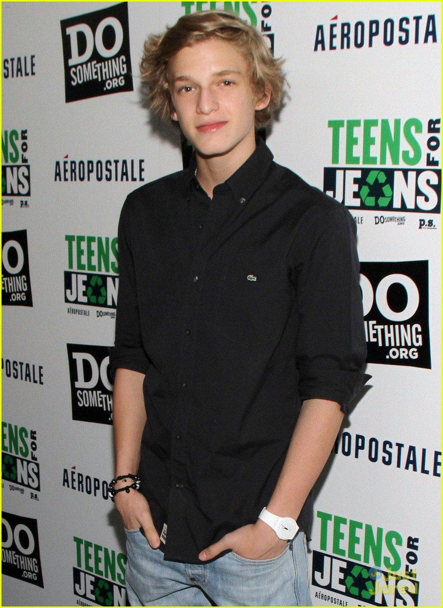 cody simpson teens jeans 06