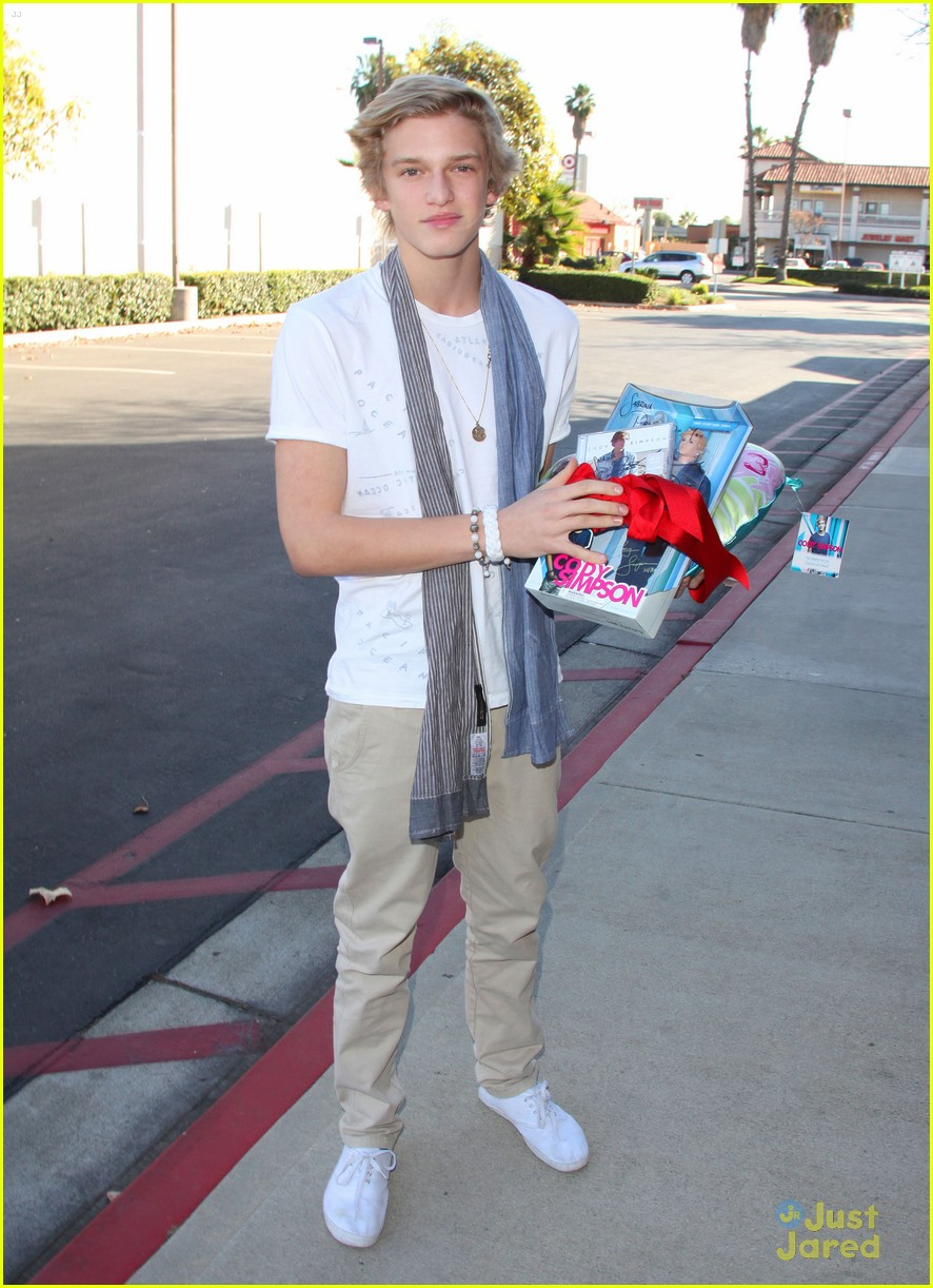 cody simpson lakers kylie 02