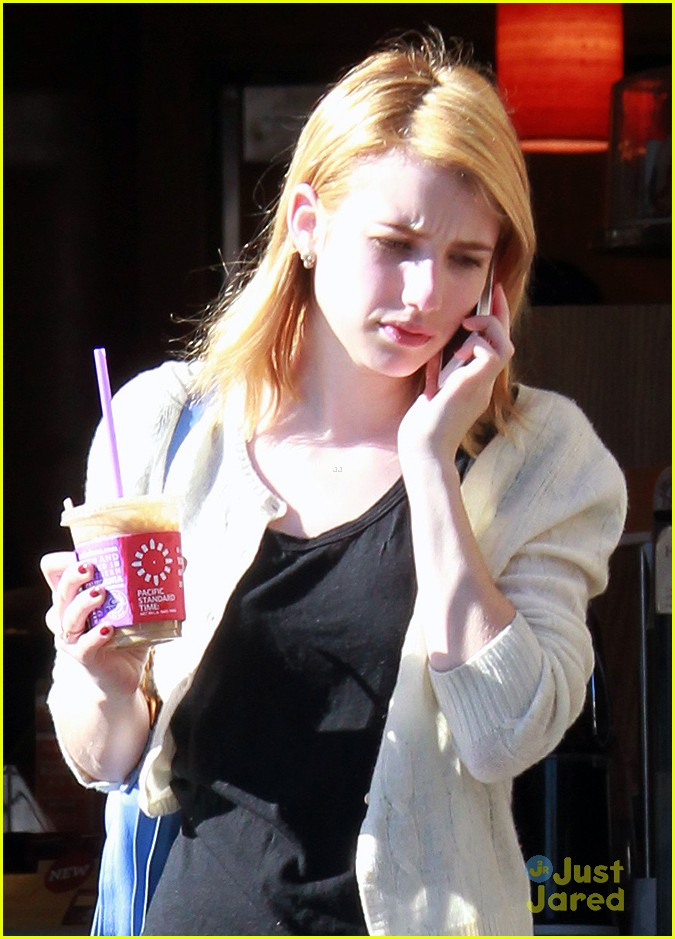 emma roberts defer college 01