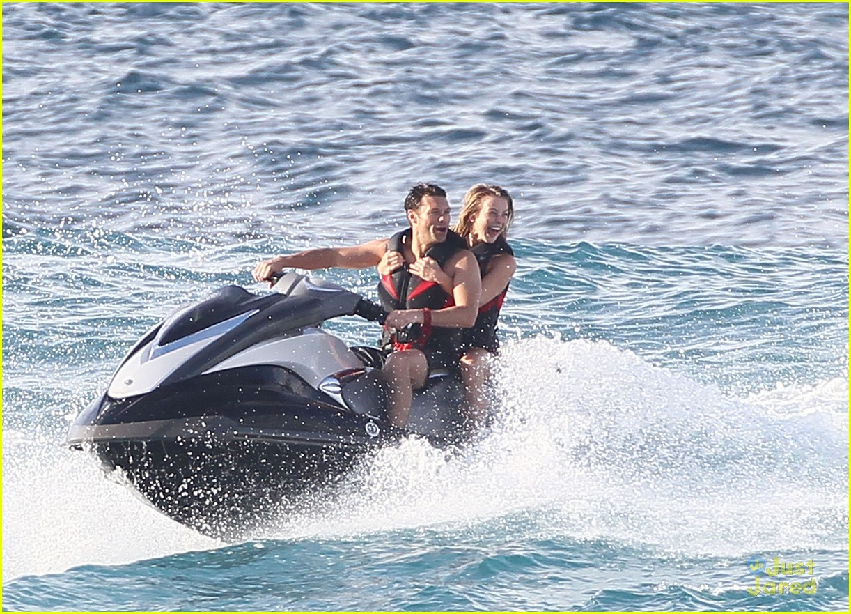 julianne hough jet ski 07