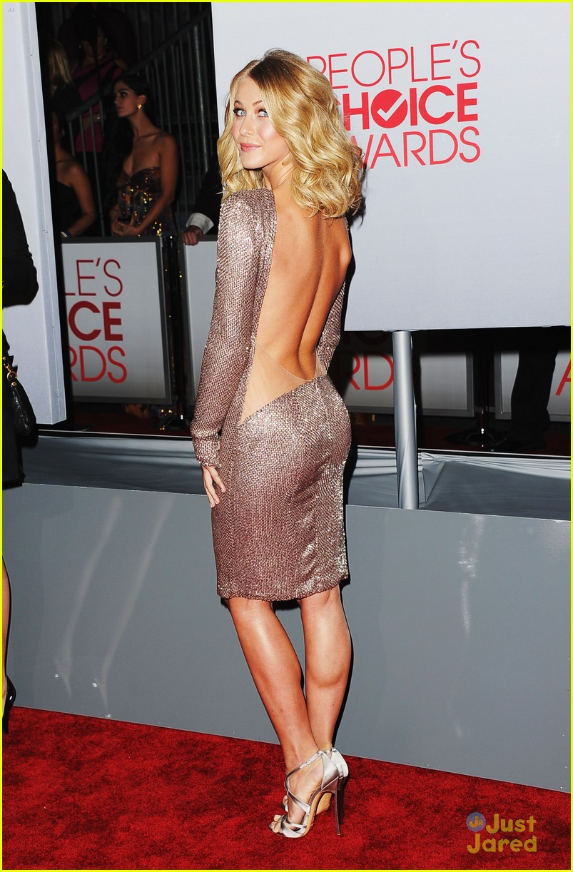 julianne hough 2012 pcas 08