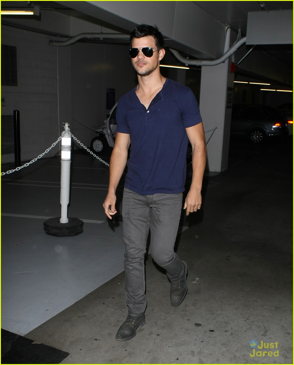 taylor lautner pdc shades 04