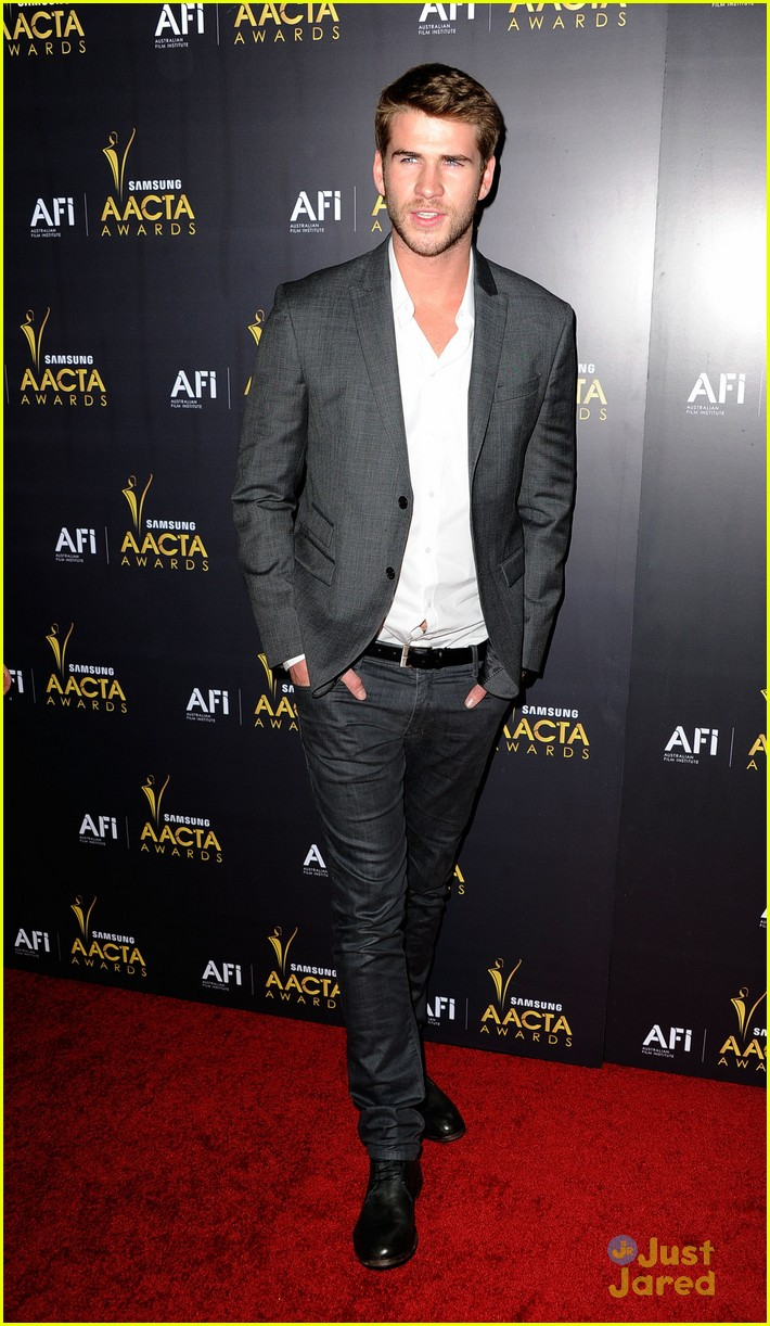 liam hemsworth aussie awards timeless 02