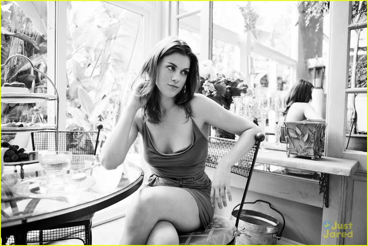 lindsey shaw zooey feature 01