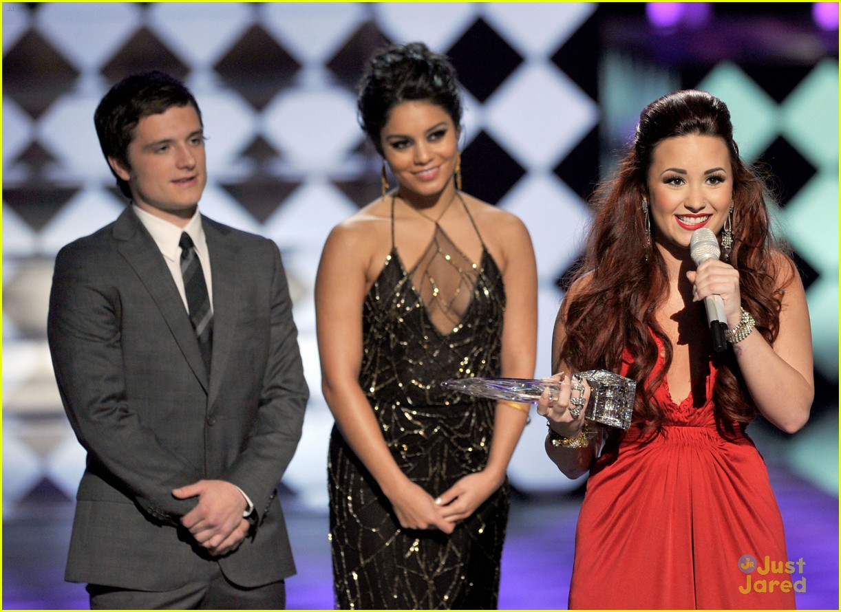 demi lovato pca performance 04