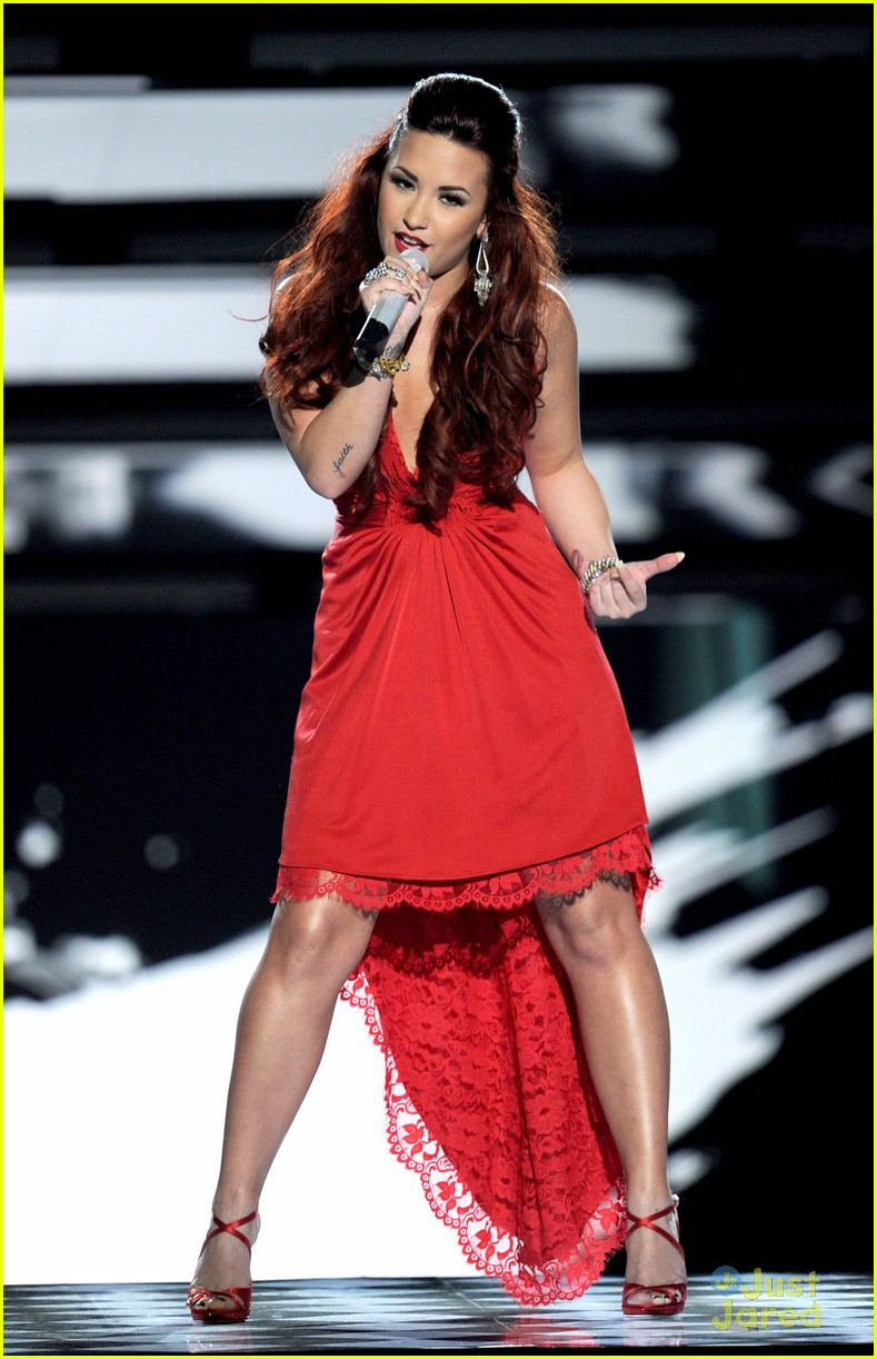 demi lovato pca performance 07