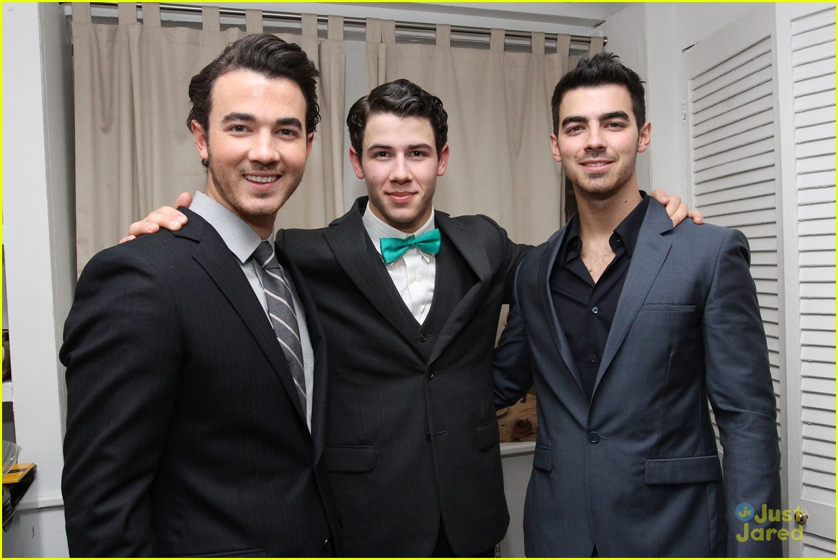 nick jonas hts debut joe kevin 08