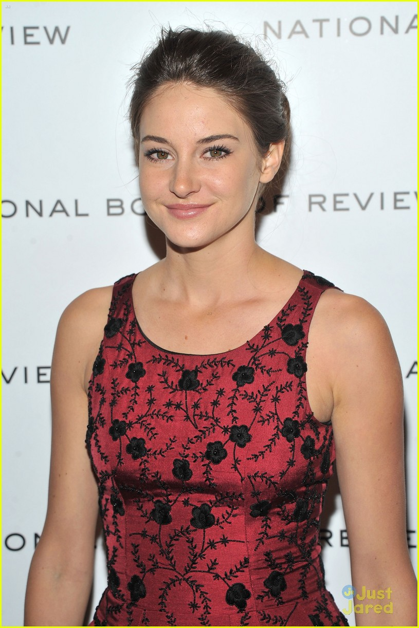 shailene woodley review gala 01
