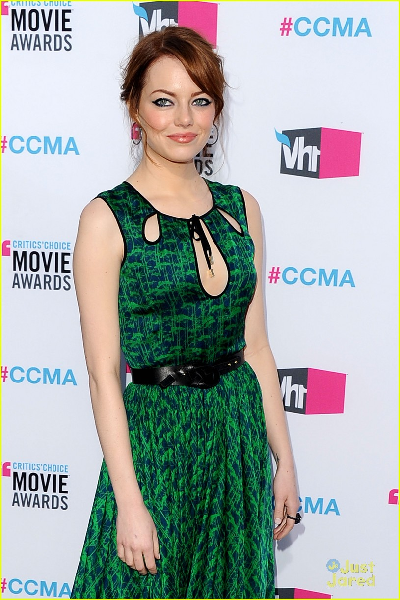 emma stone critics choice 14
