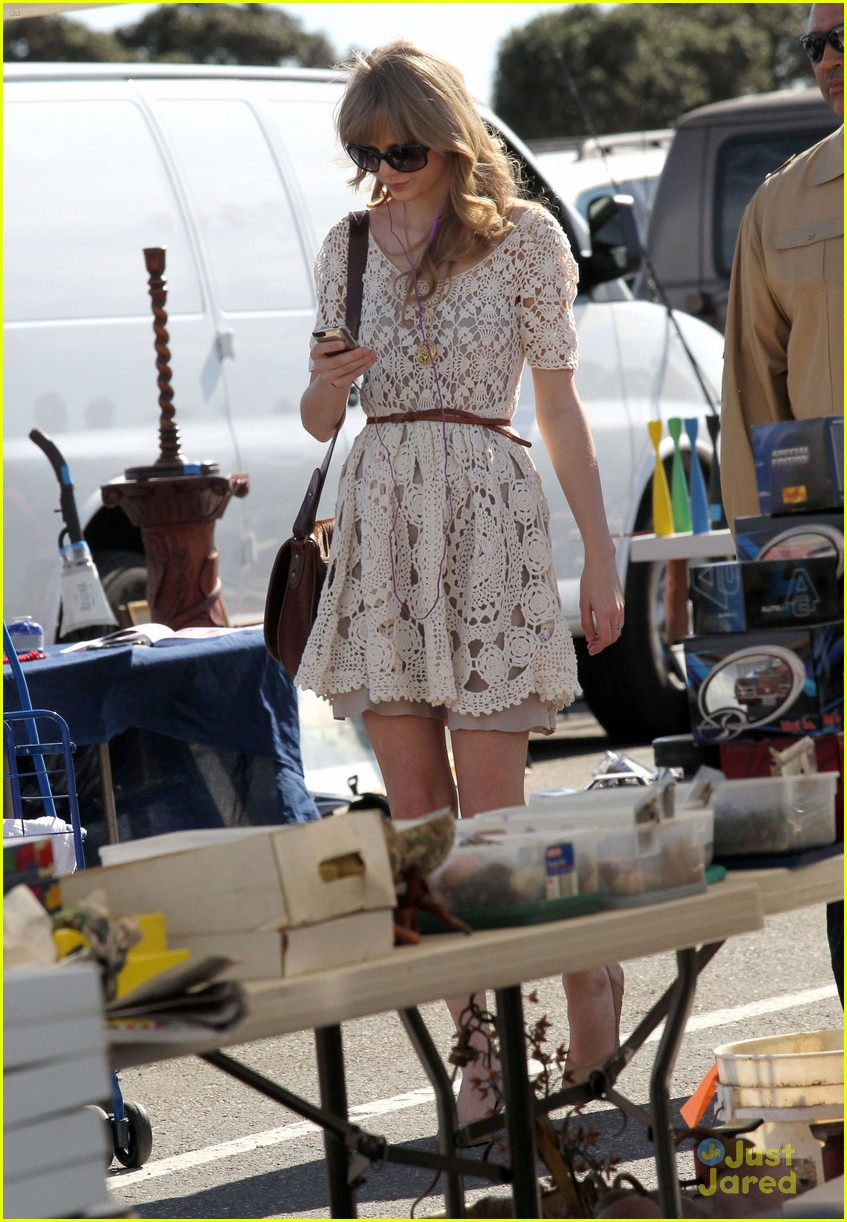 taylor swift flea market 06