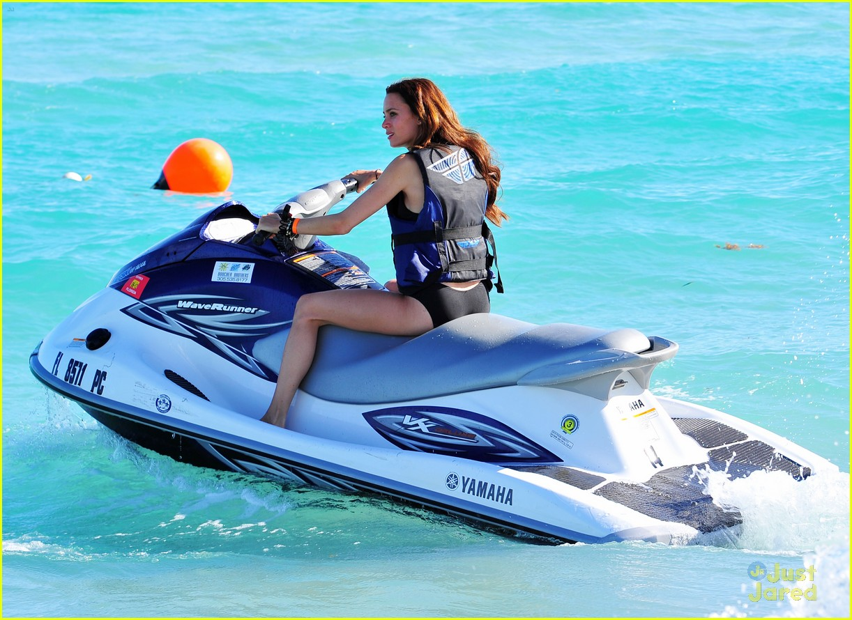 tom felton jade olivia jetski 05