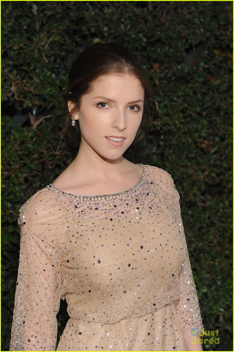 anna kendrick vanities party 03