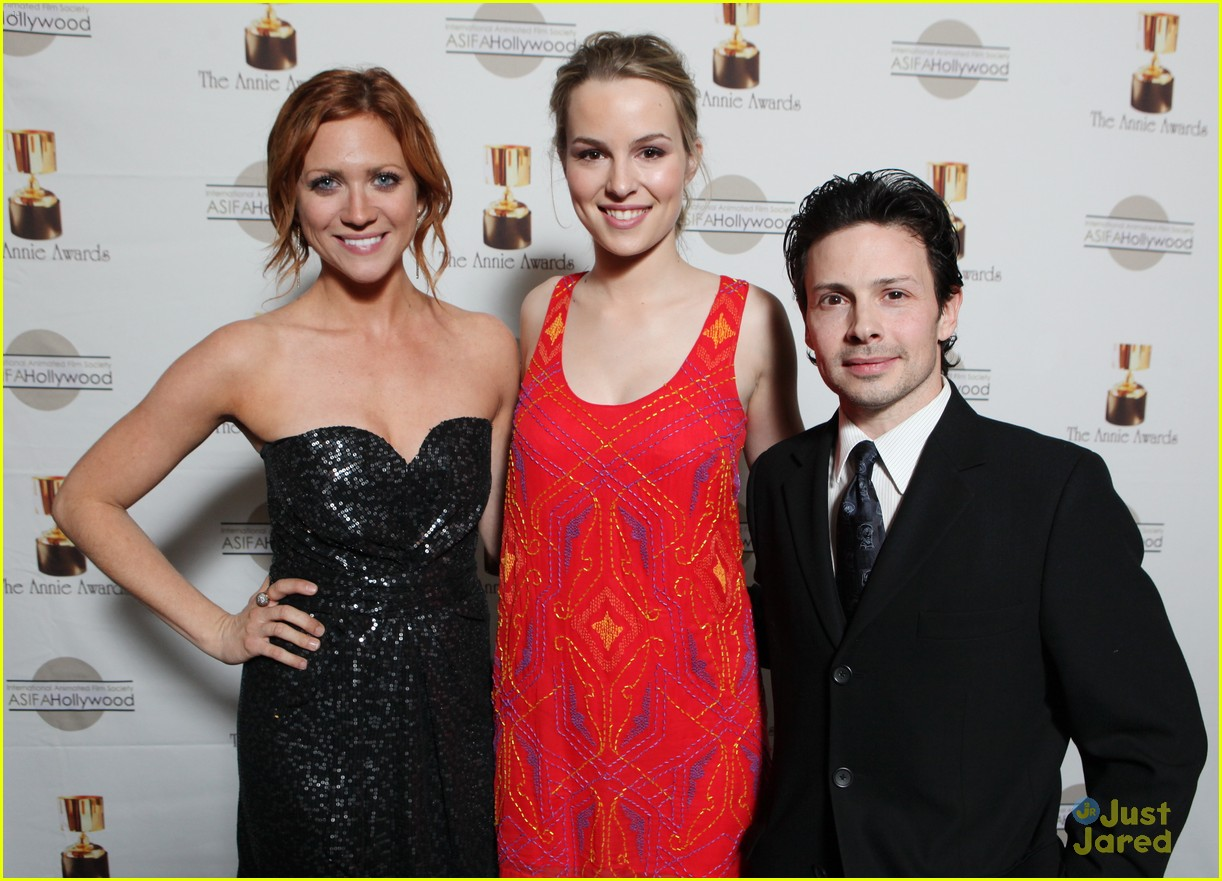 brittany snow ariel winter annie awards 02