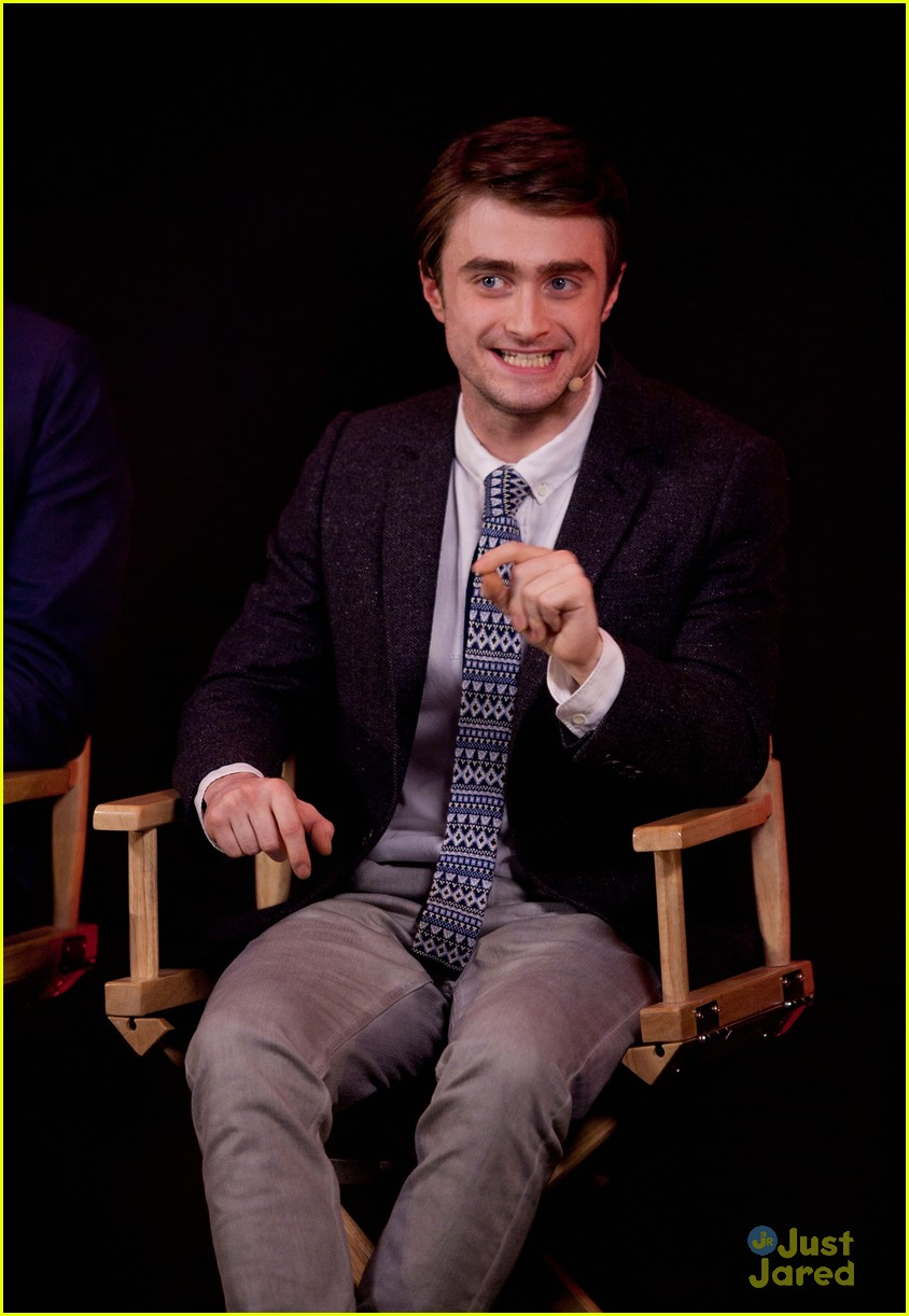 Full Sized Photo of da... Daniel Radcliffe