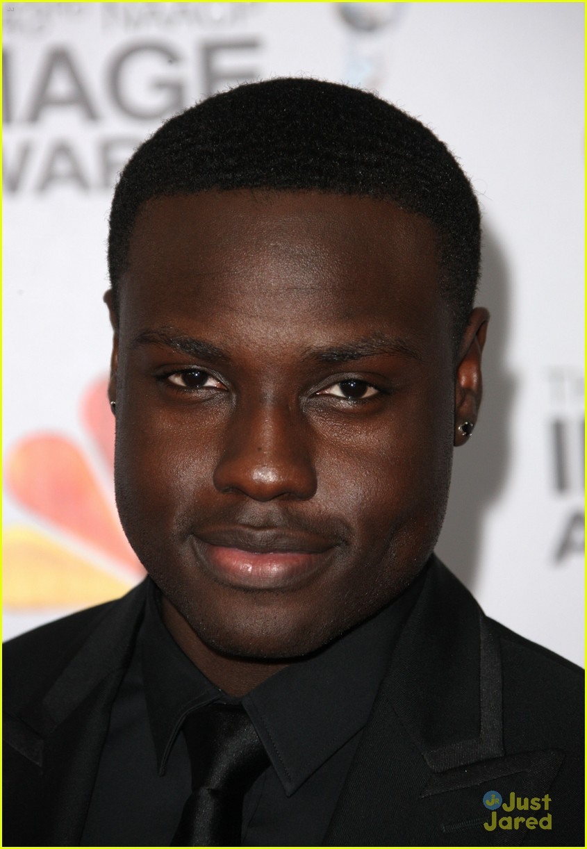 dayo okeniyi jennifer lawrence thg tour 06