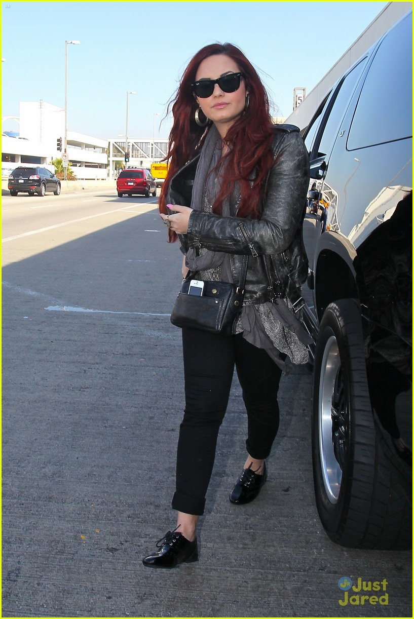 demi lovato off chile 11