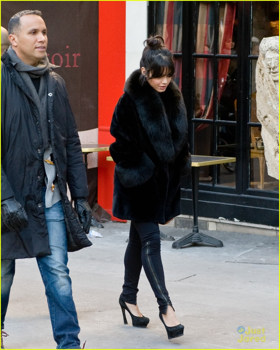 vanessa hudgens shopping paris 02