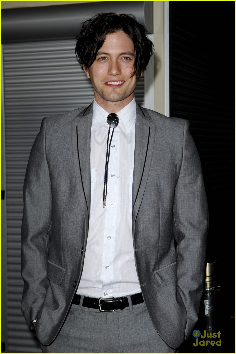 jackson rathbone gone premiere 01